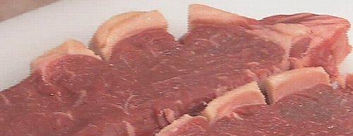 ステーキ肉の脂肪の切れ目